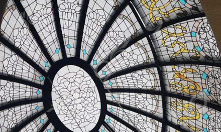 ولی عصر تهران ; ساخت گنبد شیشه ای دکوراتیو با مقطع بیضی – با تکنیک استیندگلس – تیفانی