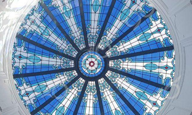 یزد ; ساخت گنبد شیشه ایی دکوراتیو – با تکنیک تیفانی – استیند گلس