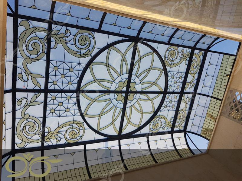 سقف نورگیر شیشه ای مسجد جابری بندر عباس