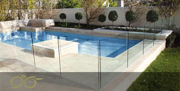 شیشه های استخری – بررسی و دلایل استفاده از شیشه برای استخر