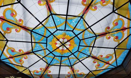 سقف نورگیر شیشه ای ۸ ضلعی ساری با شیشه های تزئینی + فیلم