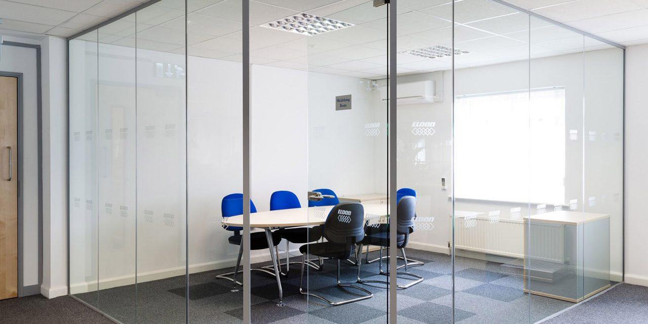 کاربرد پارتیشن های شیشه ای در ادارات