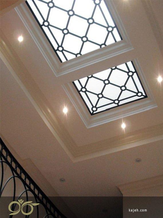 شیشه های تزئینی مربعی با سبک استیند گلس