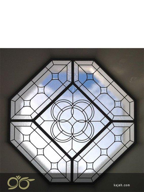 چند ضلعی ها در شیشه های تزئینی استیند گلس