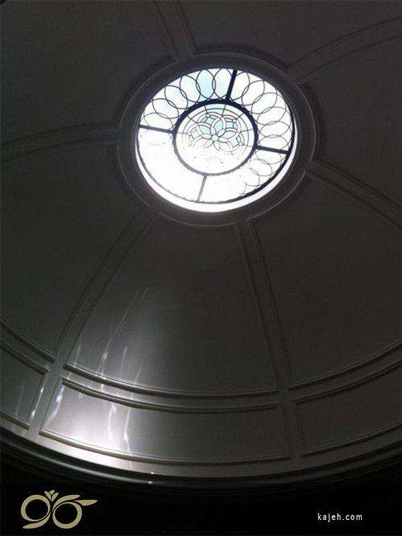 گنبدهای بزرگ با شیشه های تزئینی استیند گلس
