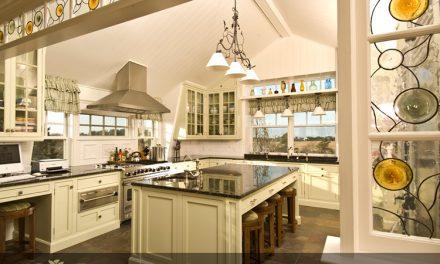 شیشه های تزئینی استیند گلس ( استین گلاس ) مناسب نورگیر آشپزخانه