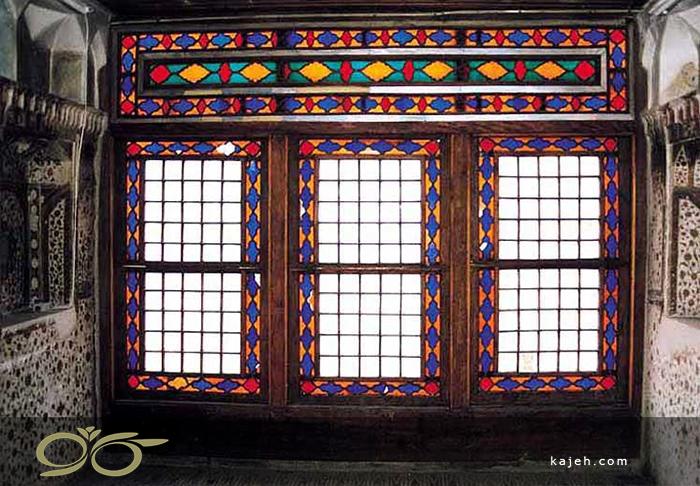 سابقه ی استفاده از شیشه های تزئینی در معماری ایرانی