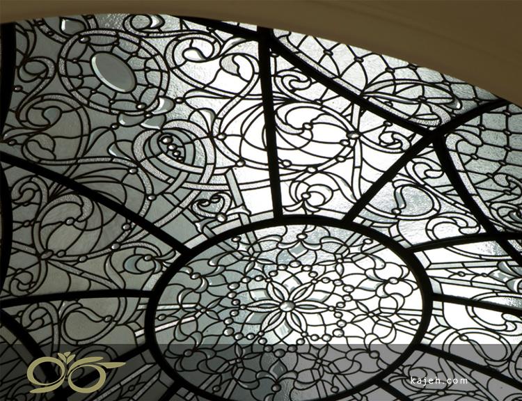 گنبد شیشه ای طرح گل و پیچک