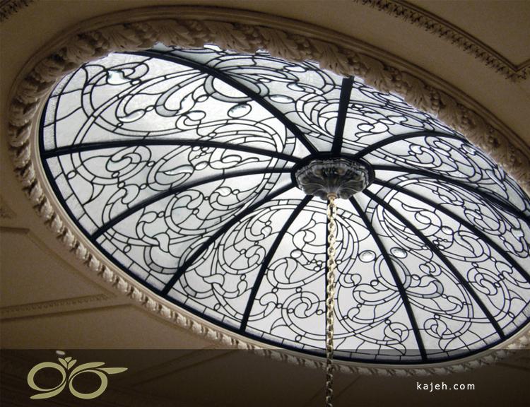 گنبد شیشه ای با آویز لوستر
