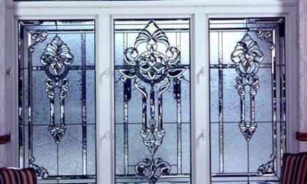 استفاده از تکنیک استیند گلس در درب ها و پنجره ها
