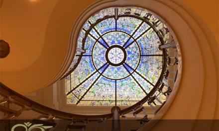 استفاده از تکنیک تیفانی و استیند گلس در نورگیر ساختمان ها