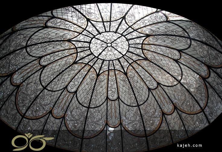 سقف های گچبری در مقابل گنبد های زیبای استنید گلس