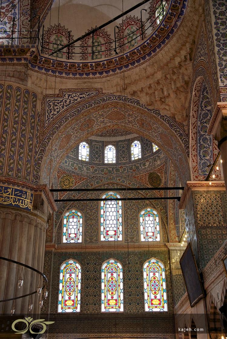 نقش پنجره های استیند گلس در بنای مسجد سلطان احمد