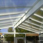 اجرای نورگیر پلی کربنات در سقف پاسیو منازل