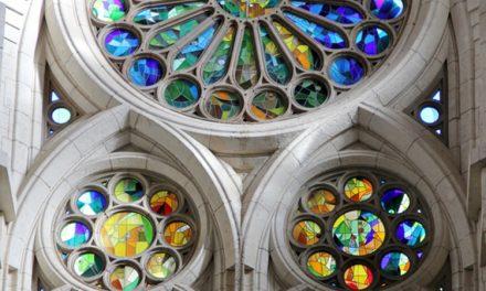 استیند گلس؛ رنگارنگ ترین پنجره های دنیا در کلیسای La Sagrada Familia