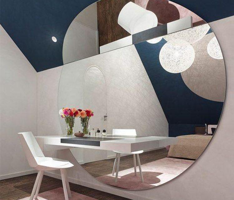 نصب آینه روی دیوار و تأثیر آینه در فضای داخلی