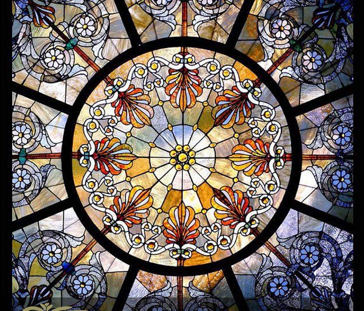 معرفی هنر ساخت گنبد شیشه ای استیند گلس