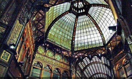 طراحی و ساخت نورگیرهای شیشه ای متناسب با معماری ساختمان