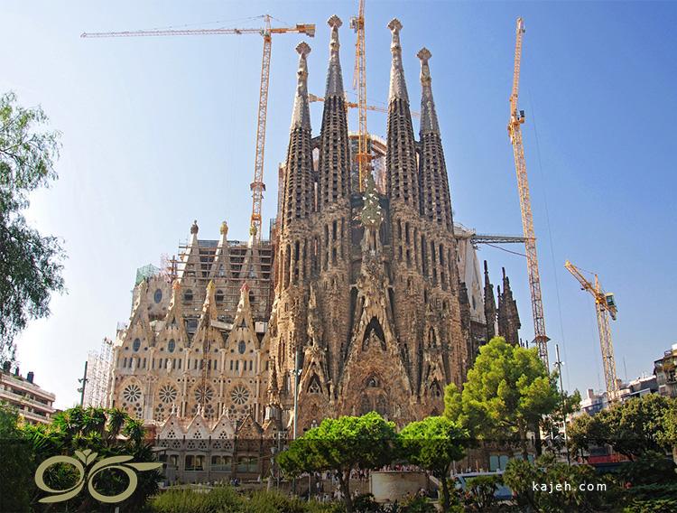 کلیسای La Sagrada Familia