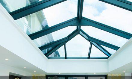 نصب نورگیر شیشه ای به خانه شما روشنایی و هوای مطبوع می بخشد
