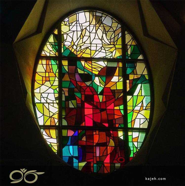 استیند گلس کلیسای La Sagrada Familia