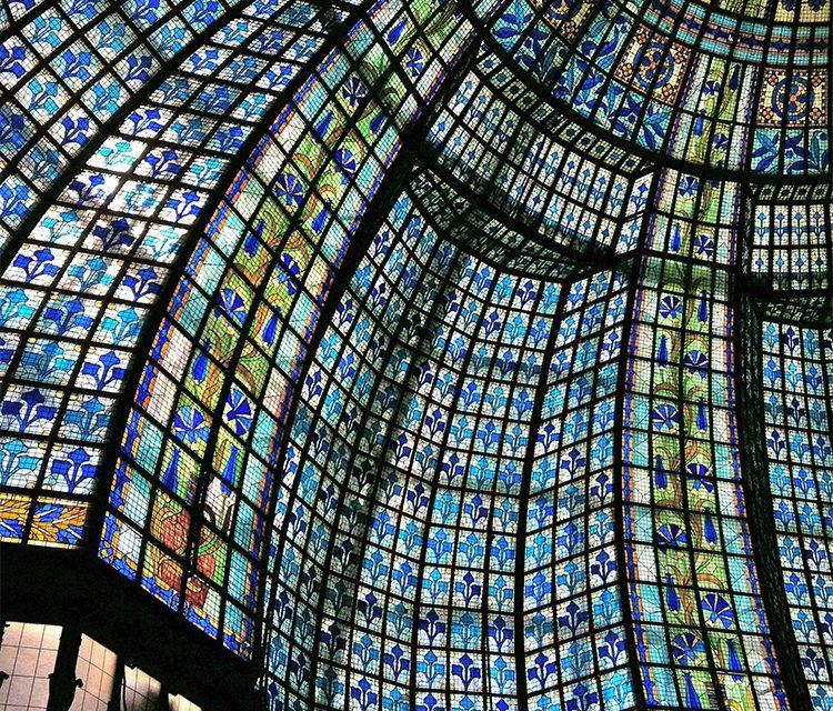 صنعت شیشه های استین گلاس پاسخی برای تمام نیازهای شما در ساخت گنبد استیند گلس