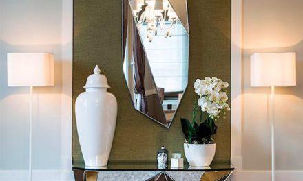 ۱۶ روش خلاقانه برای تزئین فضای اتاق با آینه دکوراتیو