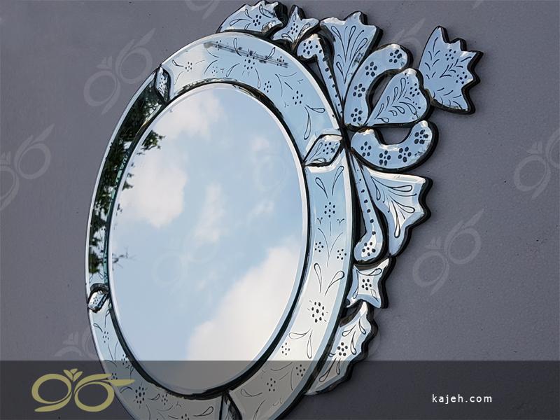 آینه ونیزی ساخته شده در کارگاه کاژه