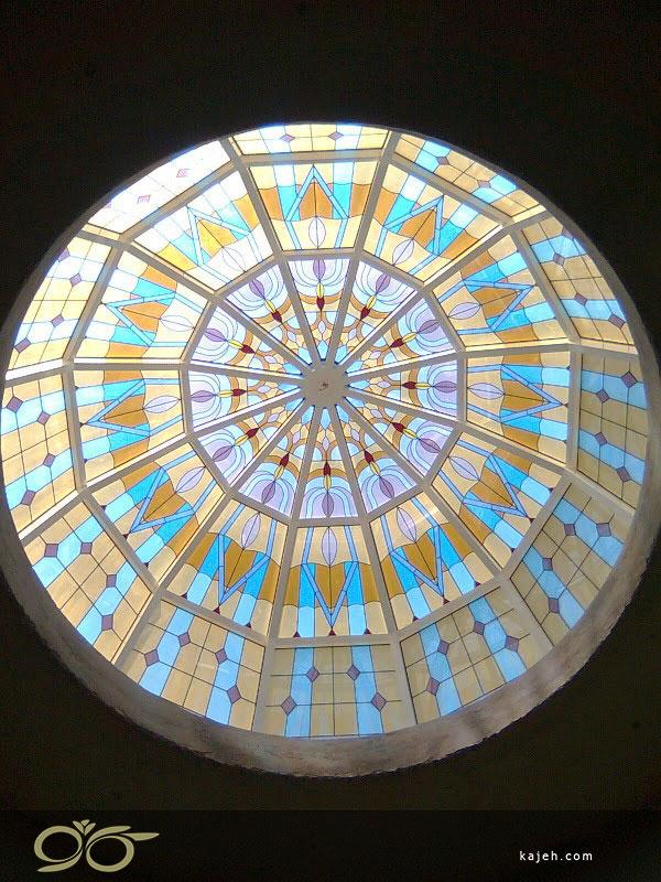 گنبد شیشه ای دکوراتیو در طراحی ساختمان مسکونی شیک