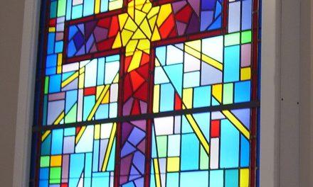 استفاده از دیوارپوش بک لایت استیند گلس در ساختمان