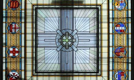 چرا سقف نورگیر شیشه ای در ساختمان بین معماران و طراحان محبوب است؟