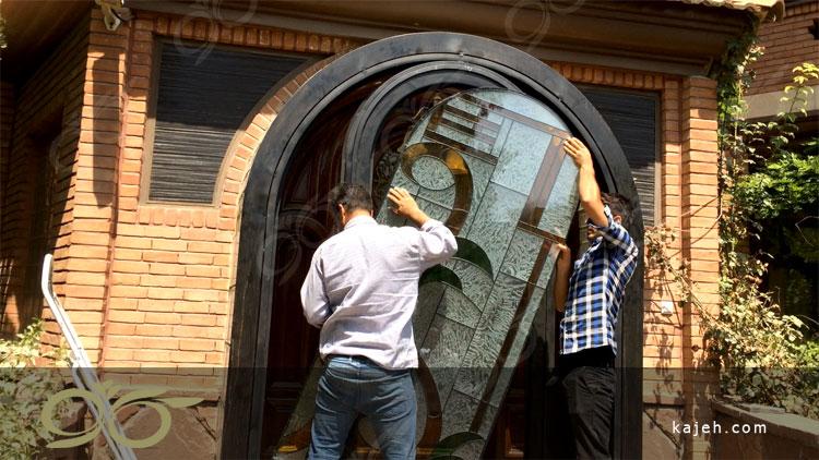 ساخت درب فلزی با شیشه های استین گلاس