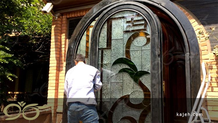 ساخت درب فلزی ورودی با شیشه های استین گلاس