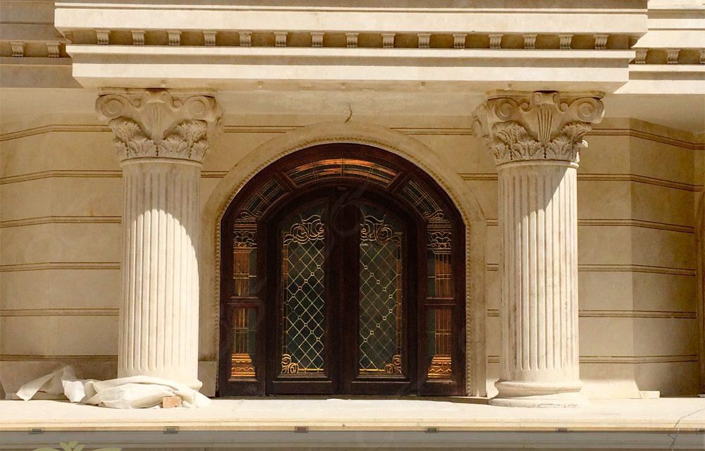 شیشه درب ورودی و شیشه درب های اصلی با تکنیک استین گلاس ( استیند گلس ) – چیتگر
