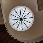 گنبد شیشه ای کلاسیک و متناسب با طراحی داخلی ساختمان – پروژه خارزم شهرک غرب