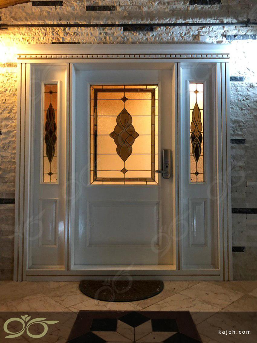 شیشه درب ورودی ویلای شمال