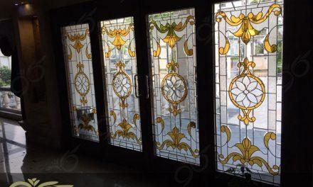 شیشه درب ورودی ( لابی ) ۴ لنگه – ساخت شیشه استین گلاس برای درب ورودی پروژه پونک