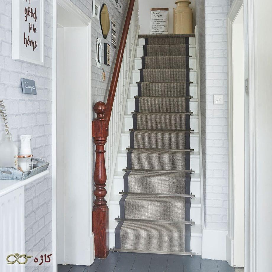فرش راهپله شیکی را پهن کنید